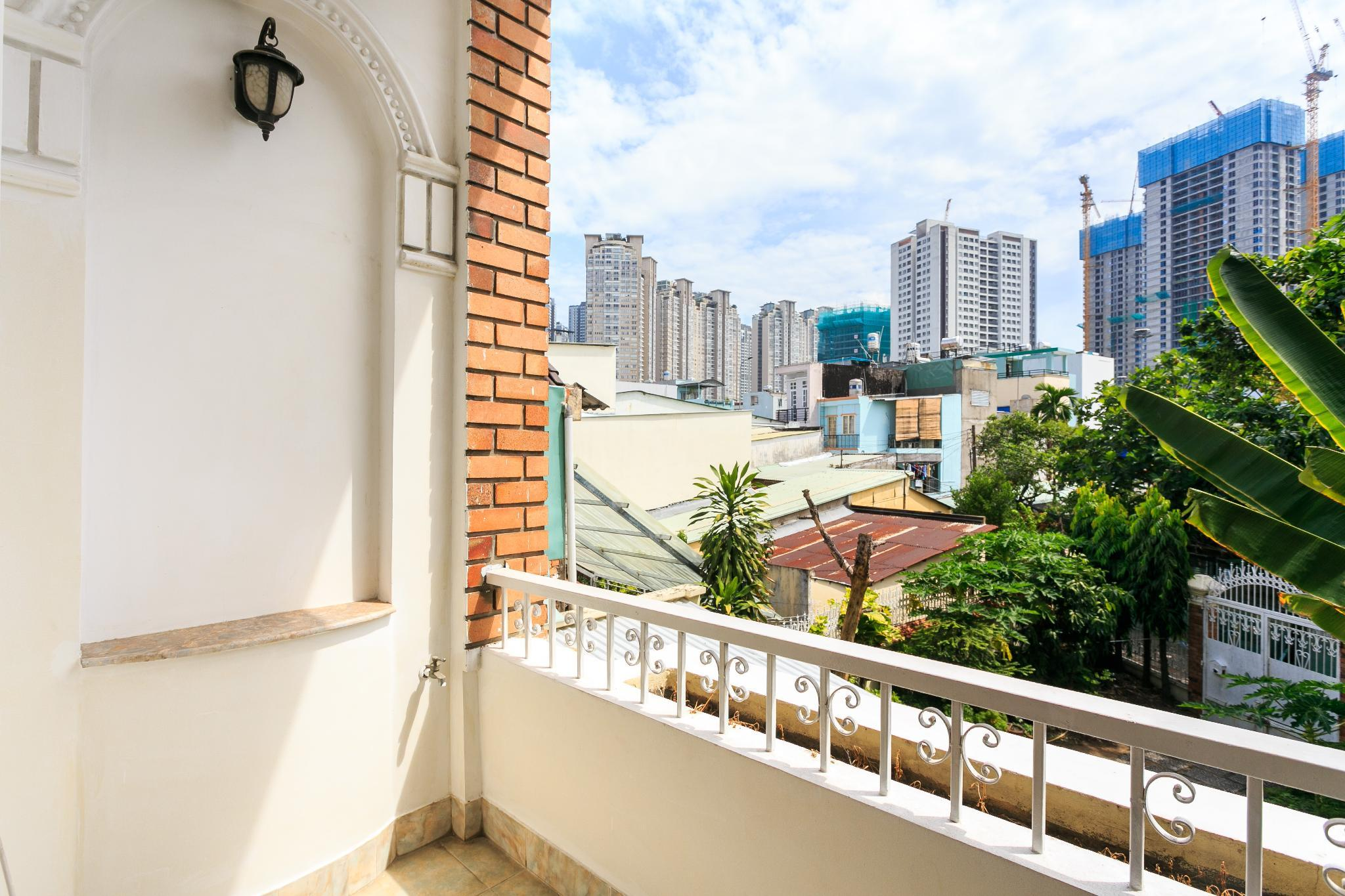 Halo Apartment With Balcony, Bình Thạnh