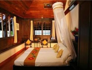 Kayaloram Heritage Lake Resort, Alappuzha
