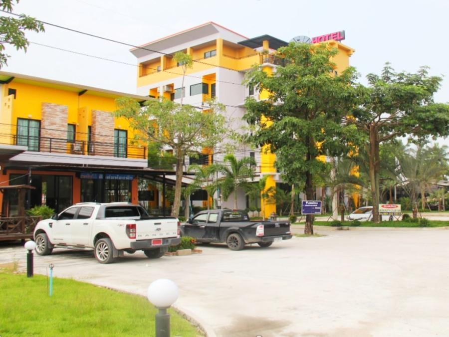 Paradise Resort, Bang Lamung
