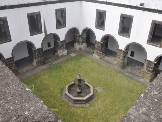Convento de Sao Francisco, Vila Franca do Campo