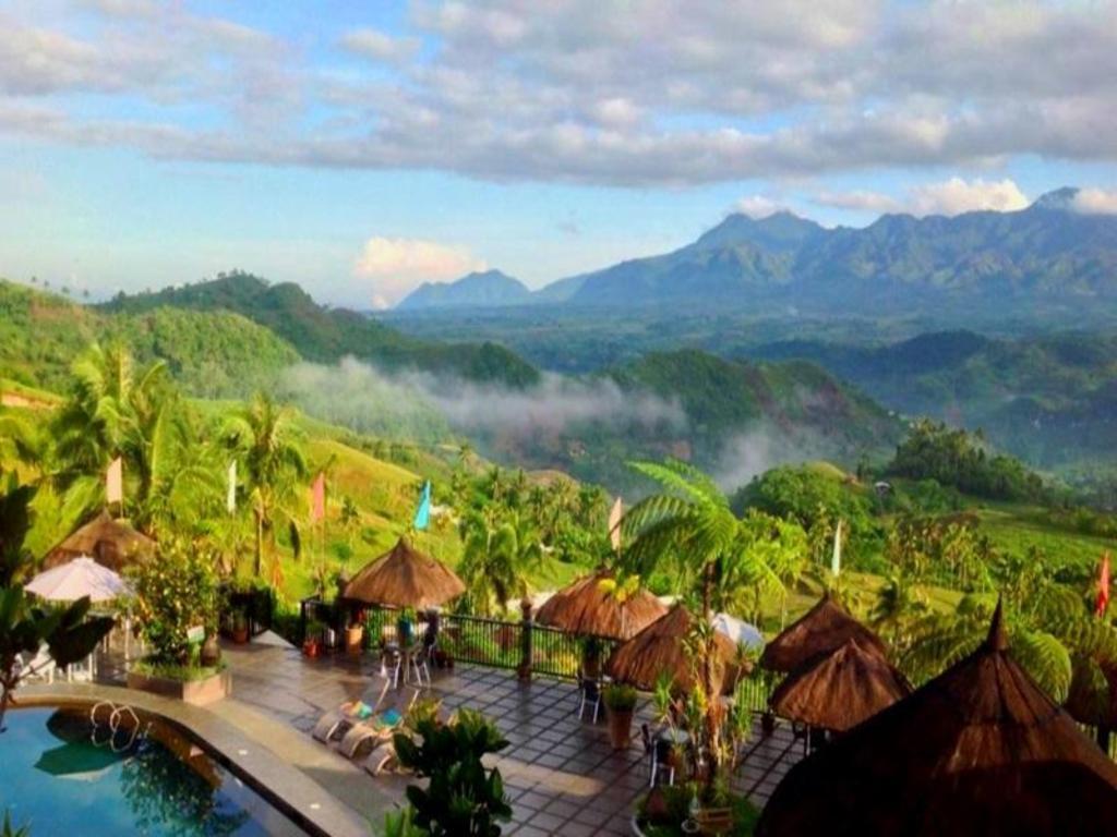 Best Price on La Vista Highlands Mountain Resort in San