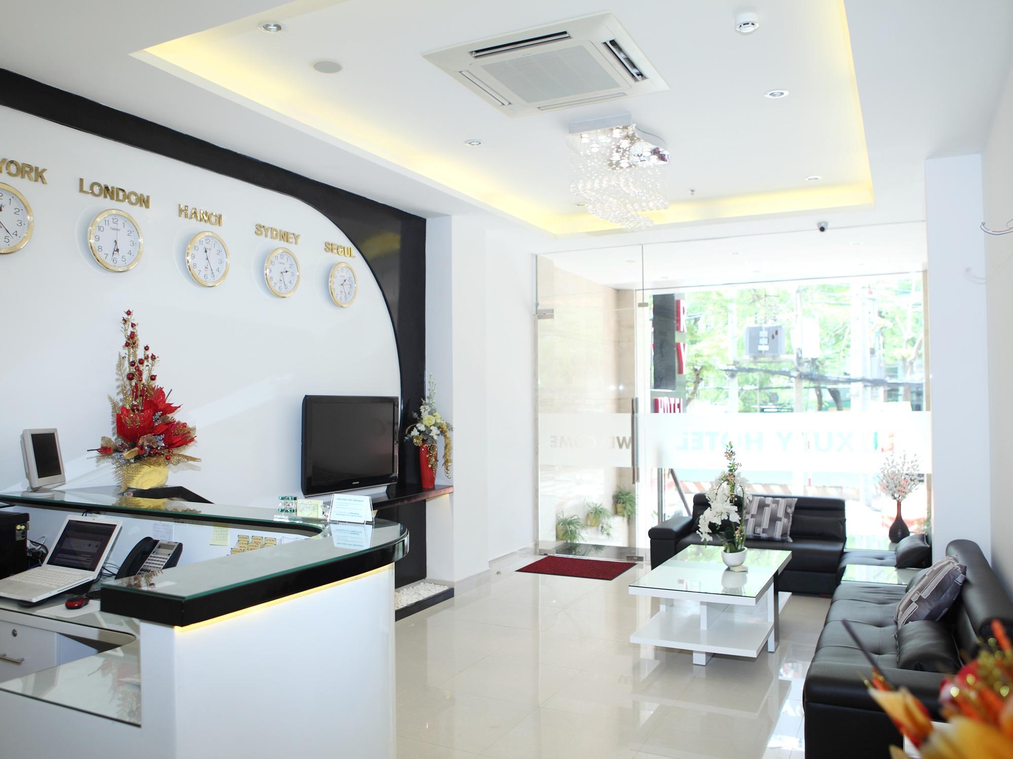 Khách Sạn Luxury Hồ Chí Minh