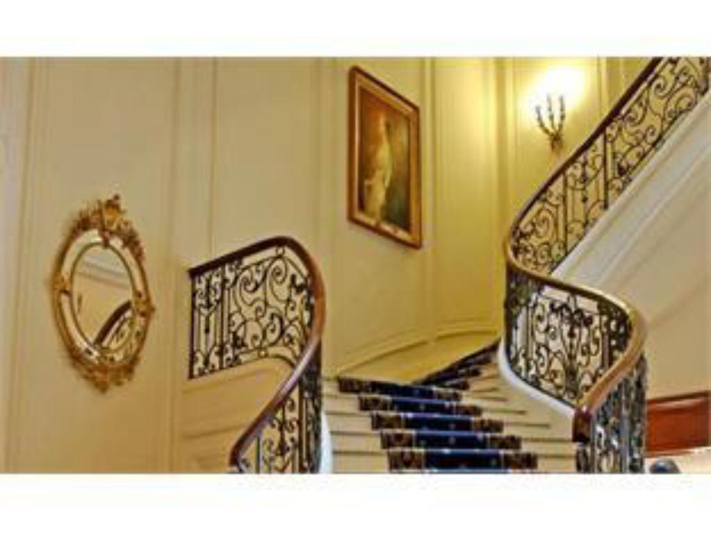 Hotel du Palais Biarritz - in the Unbound Collection by Hyatt Hotel hall