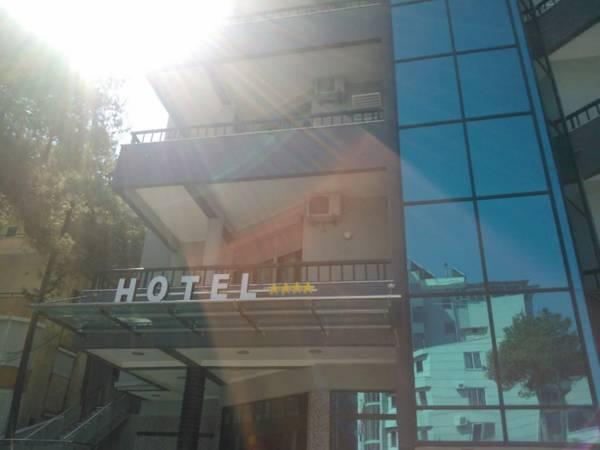 Ylli i Detit Hotel, Durrësit