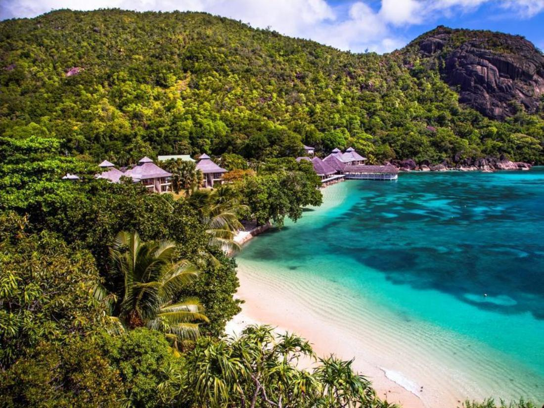 Book le domaine de la reserve hotel seychelles islands for Hotel reserver