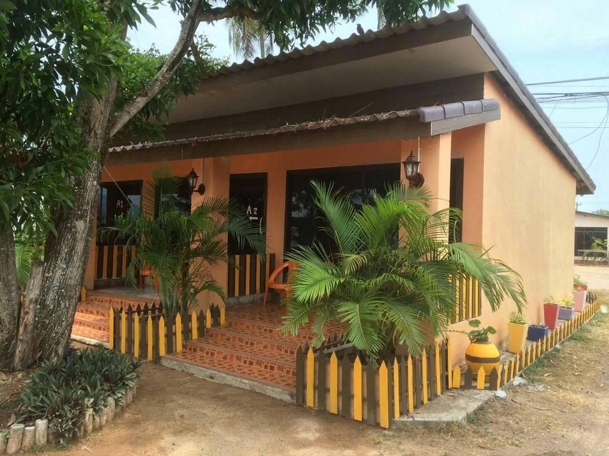 Marina Resort and Restaurant, Langu