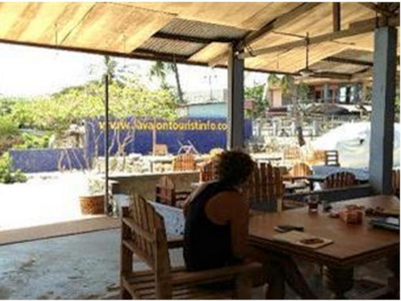 Lavalon Seaview Hostel & Bar, Kupang