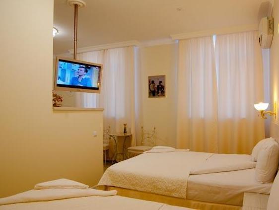 light hotel & hub, Dniprovs'kyi