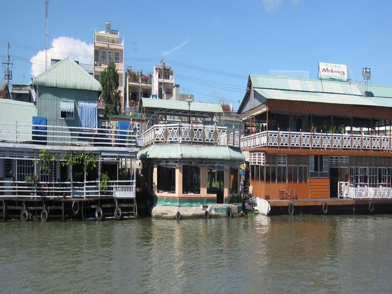 Floating Hotel, Chau Doc