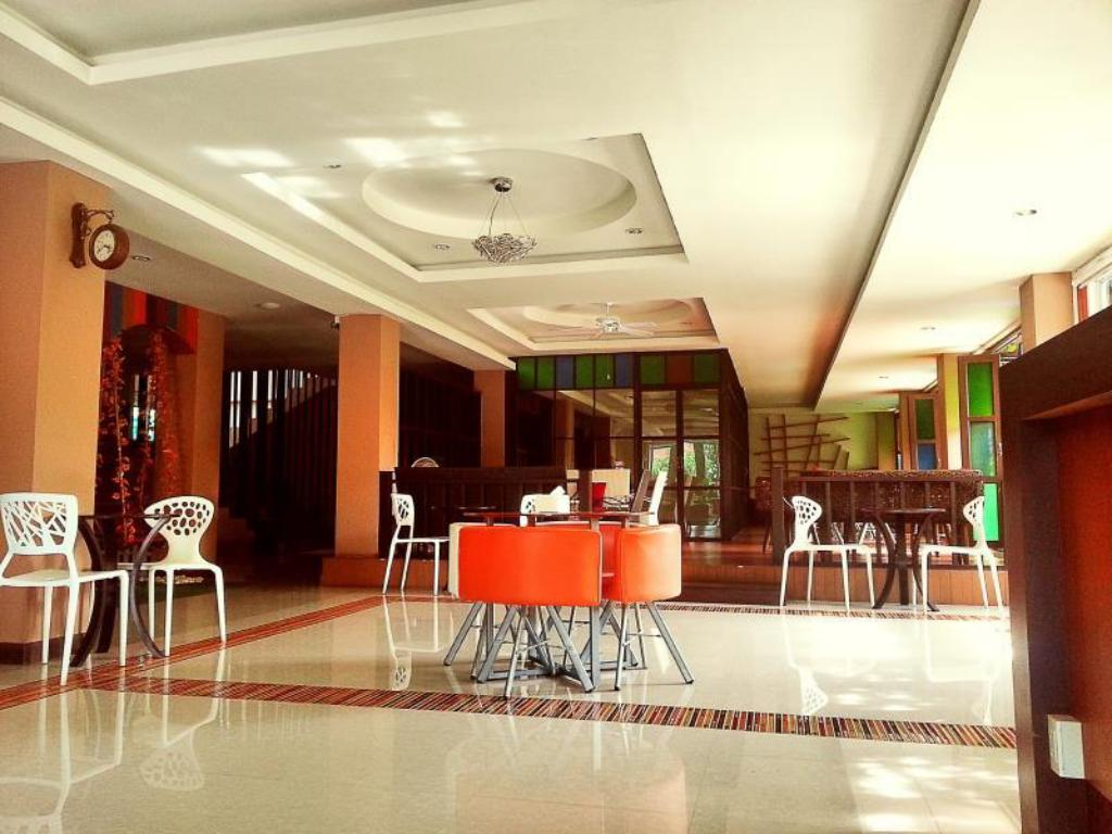 Best price on le luxe residence in udon thani reviews for Residence luxe