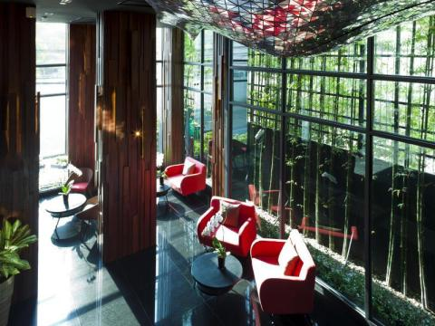 15 Best Luxury Hotels in Bangkok, Thailand