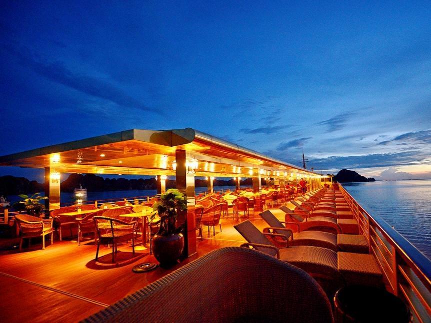 Golden Cruises, Hạ Long