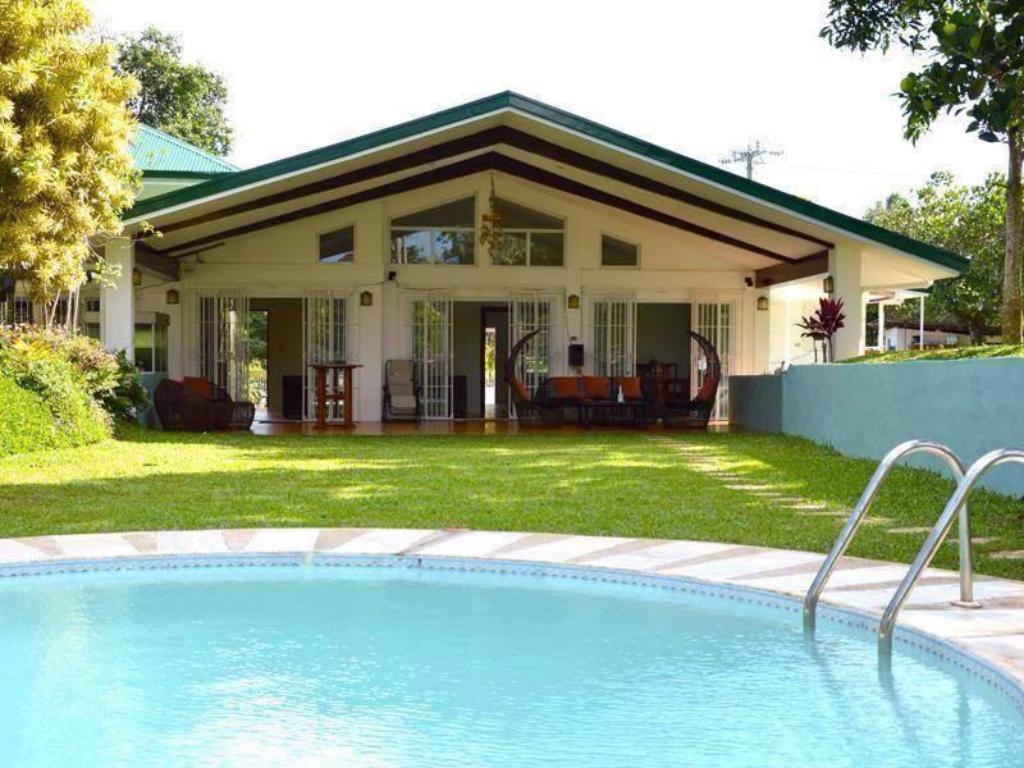 Best Price on Hacienda Solange in Tagaytay + Reviews