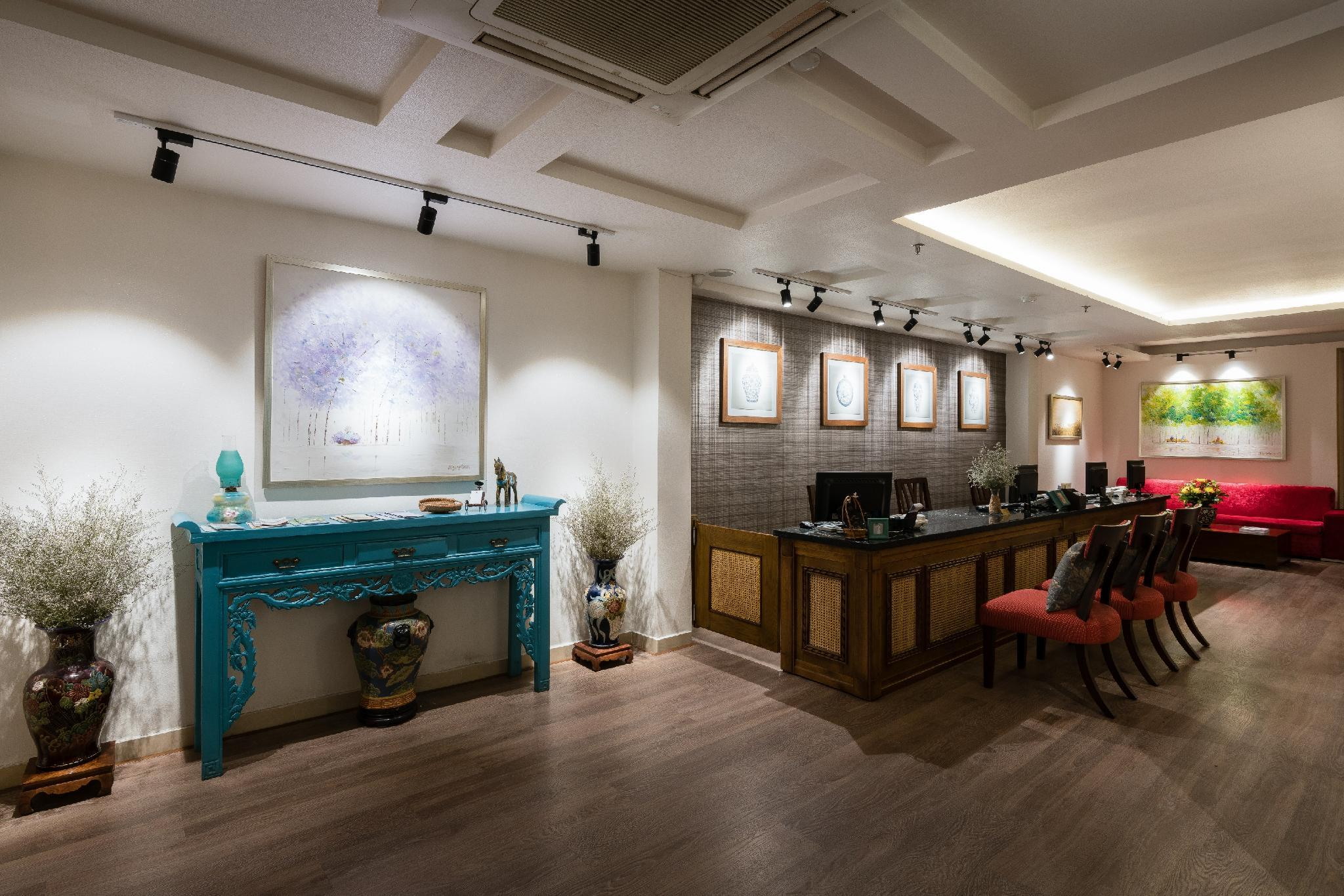 Khách Sạn Asian Ruby Center Point Hồ Chí Minh | Hampton Hotel
