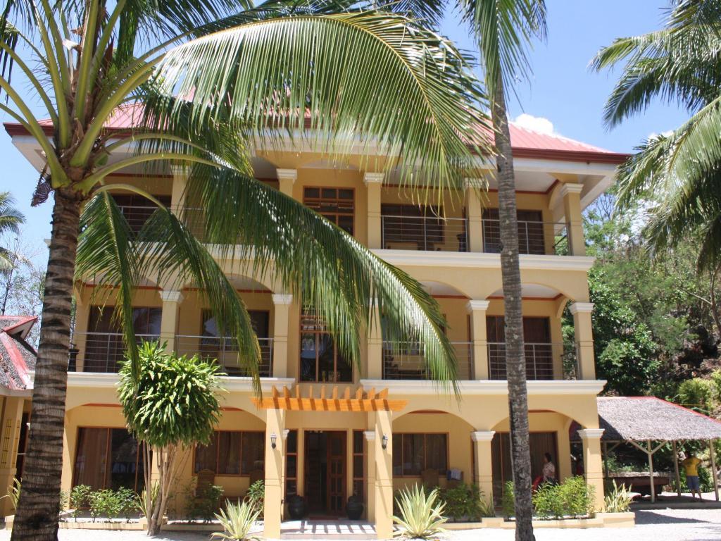 Best Price On Cabaling Beach Resort In Guimaras Island