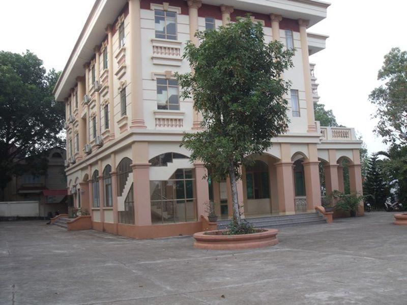 Sen Vang Hotel, Phúc Yên