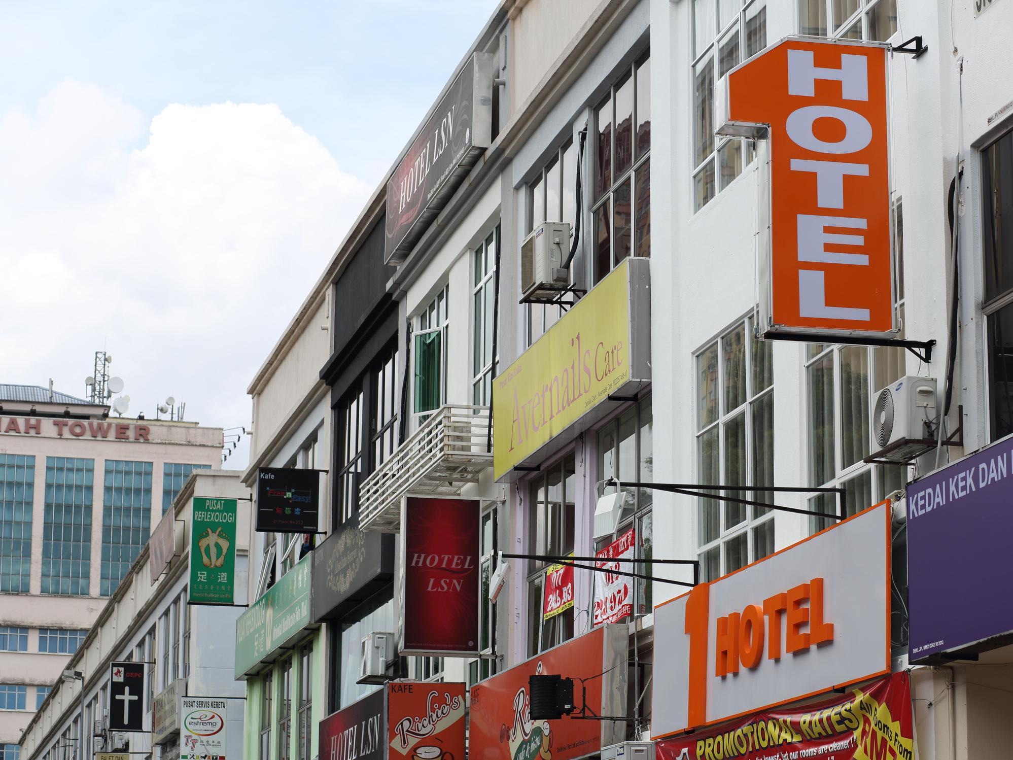 1 Hotel Taman Connaught, Kuala Lumpur