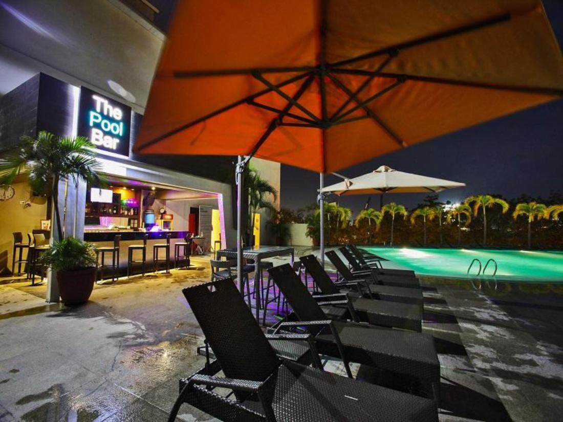 Best price on limketkai luxe hotel in cagayan de oro for Hotel de luxe