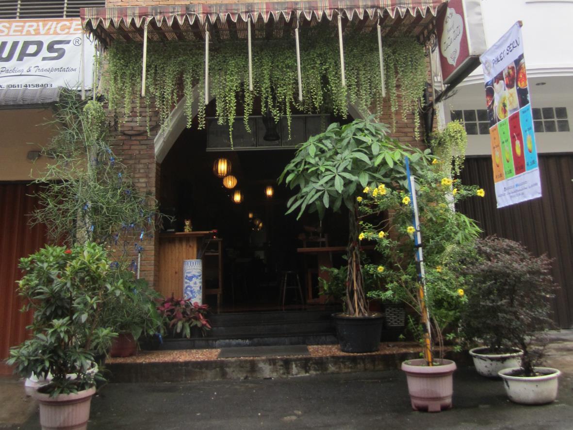 House of Zaza Zizi, Medan