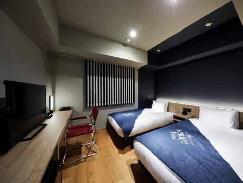 Where to stay in Tokyo - the Square Hotel