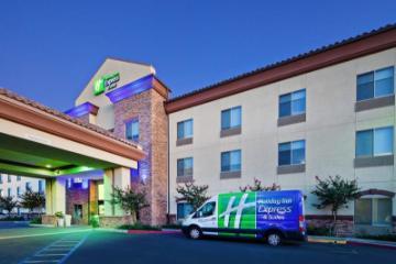 Holiday Inn Express & Suites Clovis Fresno-området