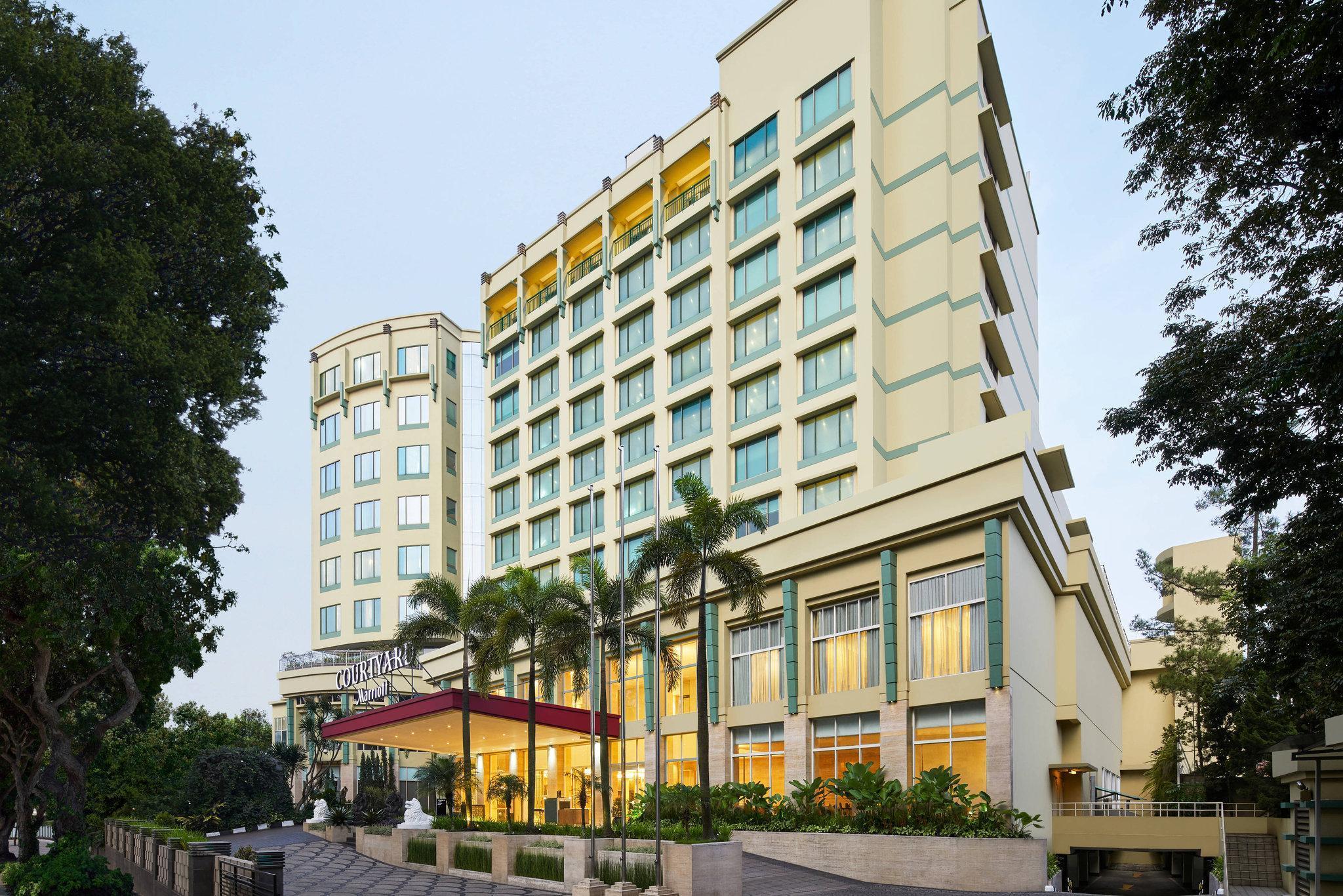 Courtyard by Marriot Bandung Dago (Formerly Holiday Inn Bandung Dago)
