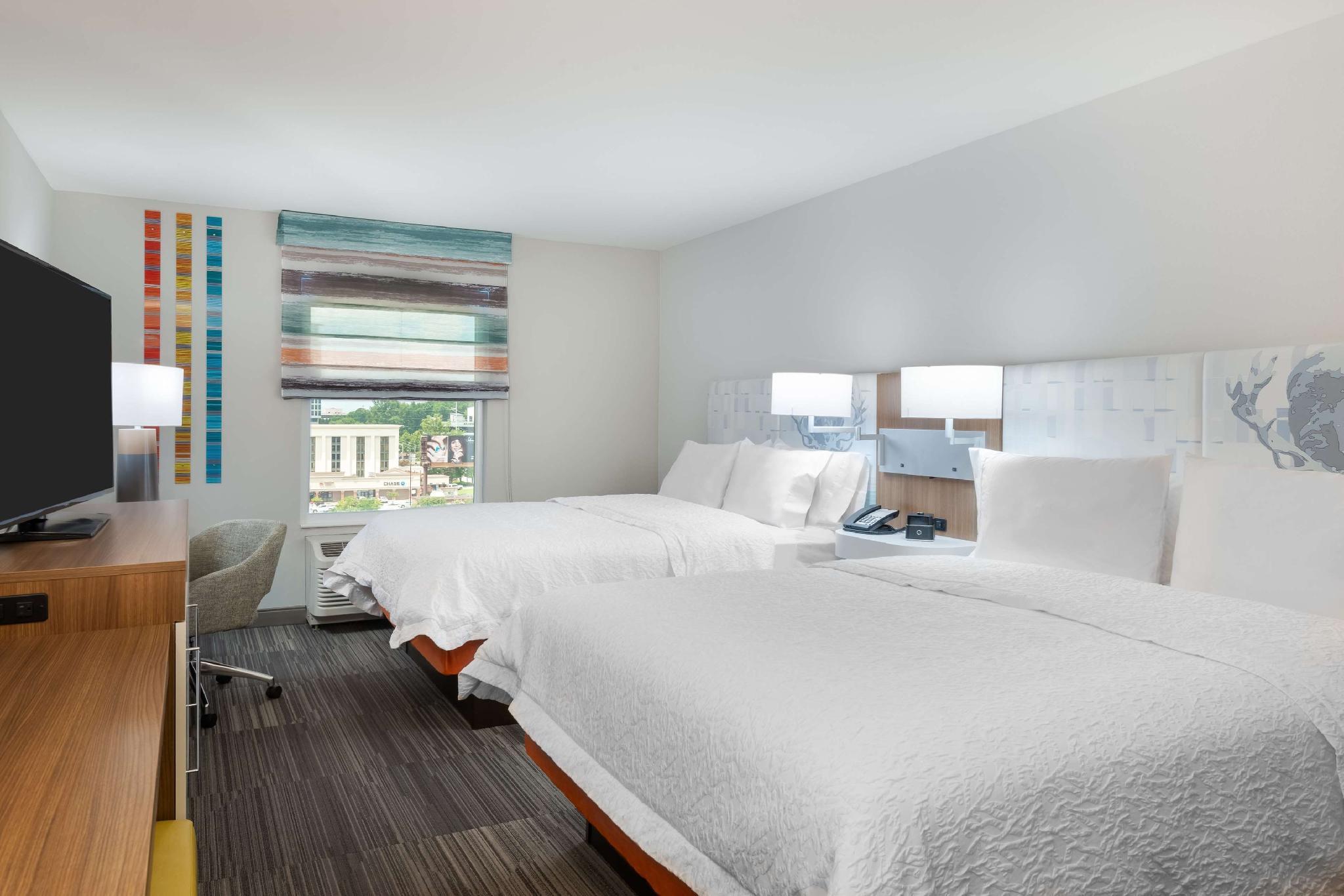 Hampton Inn & Suites Atlanta Buckhead Place, GA, Fulton