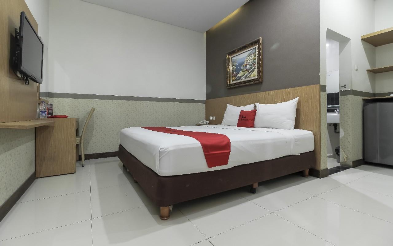 RedDoorz Plus Tuparev Cirebon