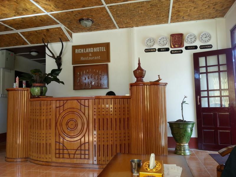 Richland Motel, Taunggye