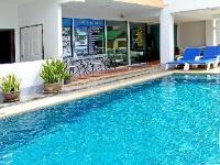 Dengs Kamala Beach Resort