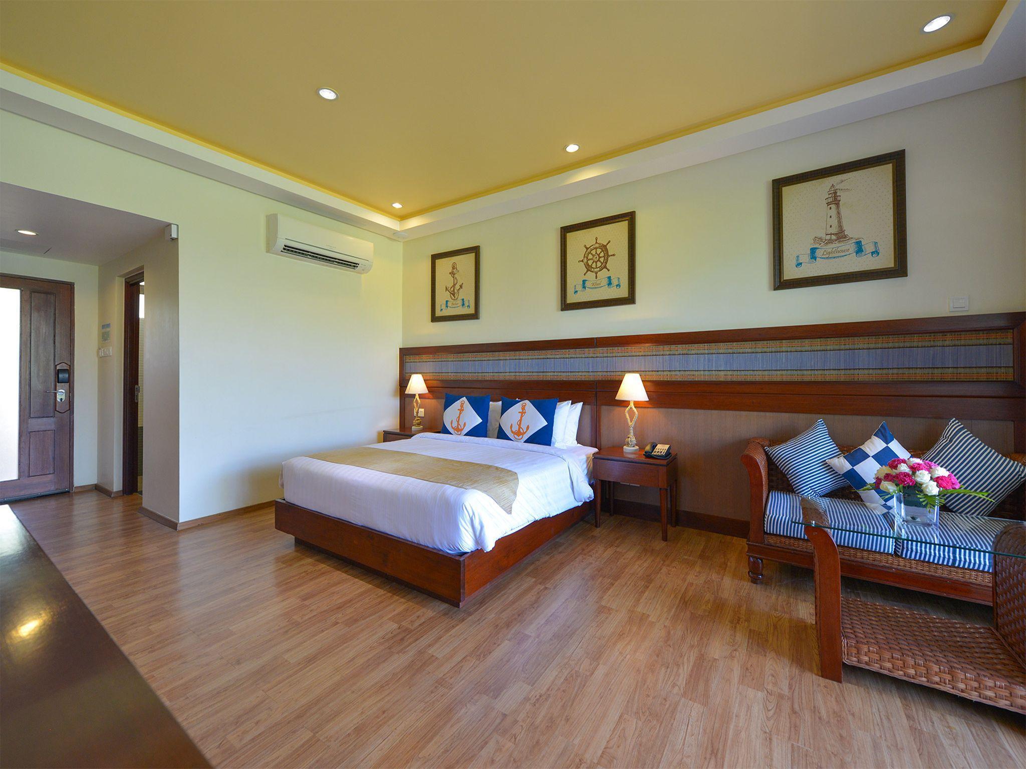 Ngwe Saung Yacht Club & Resort, Bassein