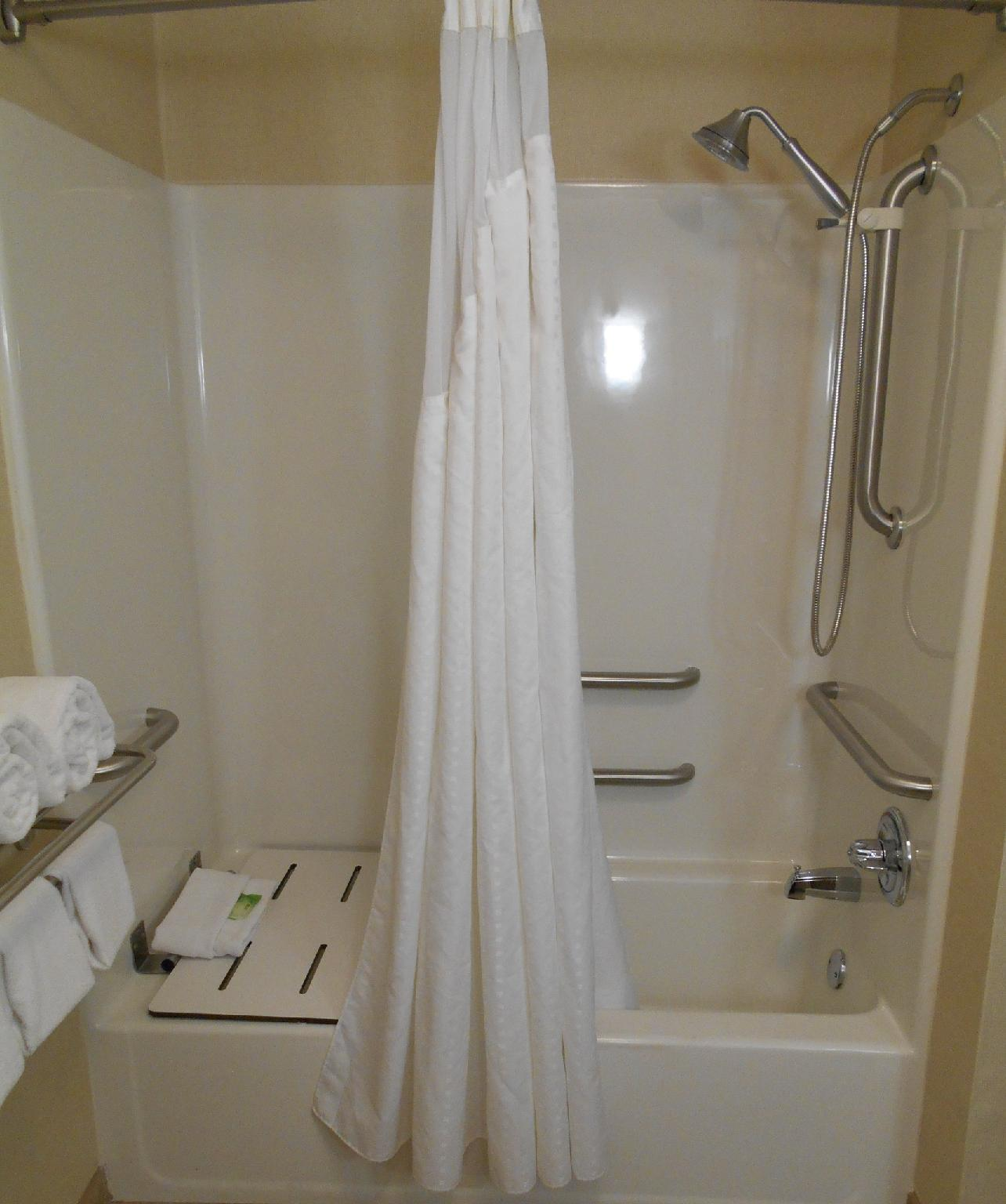 2 Bed Mobility Accessible Tub Non-smoking