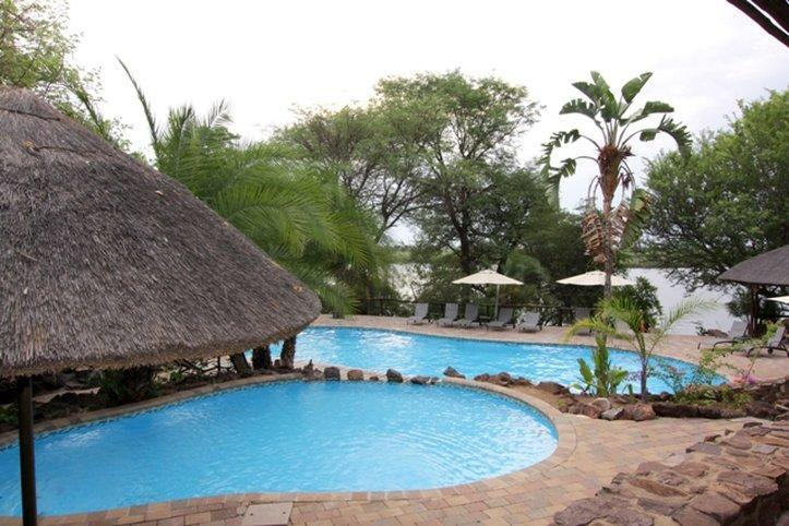 Cresta Mowana Safari Resort & Spa, Kabe
