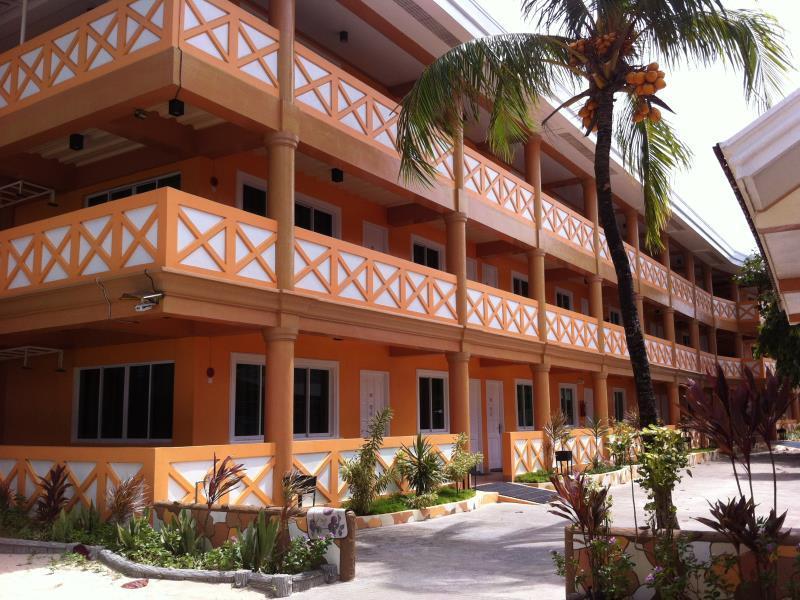 Raymen Beach Resort, Nueva Valencia