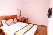 Khách Sạn Hồng Tùng