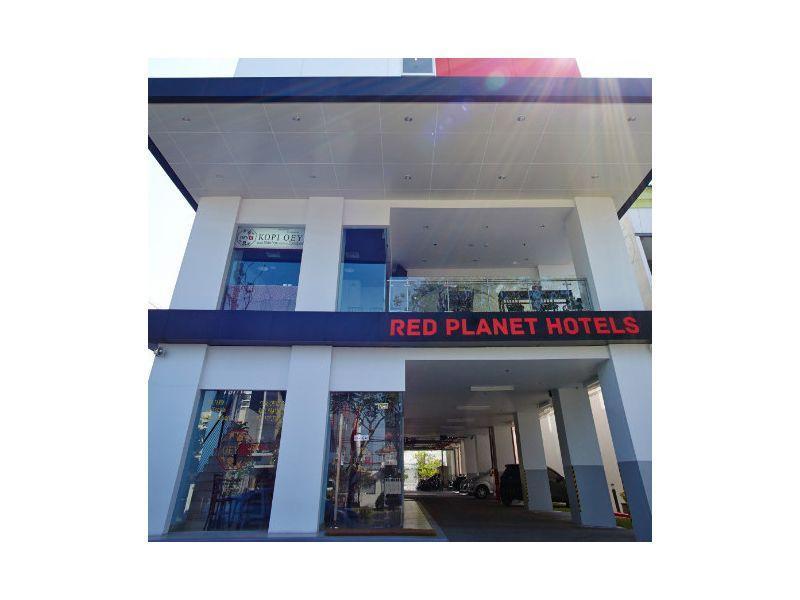 Red Planet Surabaya (formerly Tune Surabaya)