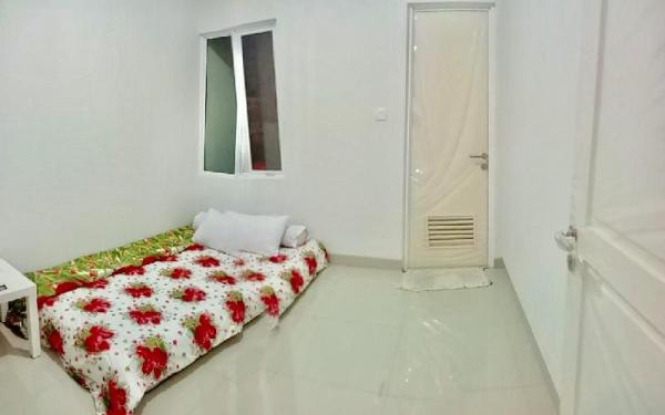 Private Single Room (w Queen Air Bed) Near ICE BSD Tangerang