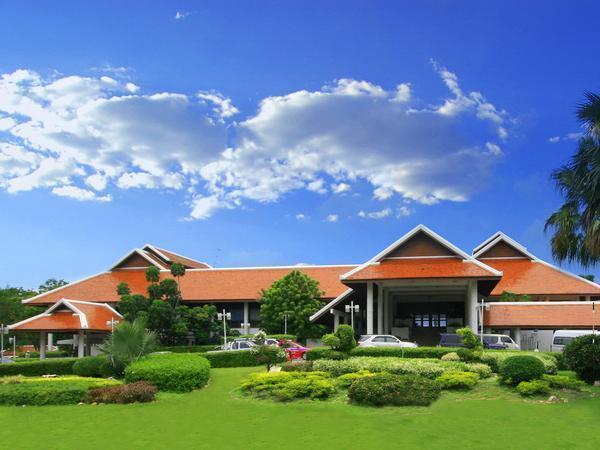 Pinehurst Golf Club & Hotel Pathum Thani