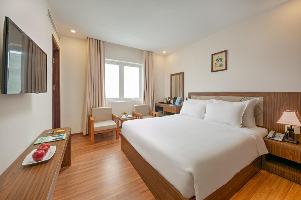 Phòng Deluxe hướng biến giường đôi - Phòng ốc
