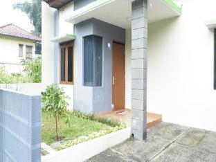 Villa Roemi Ciwaruga, Bandung