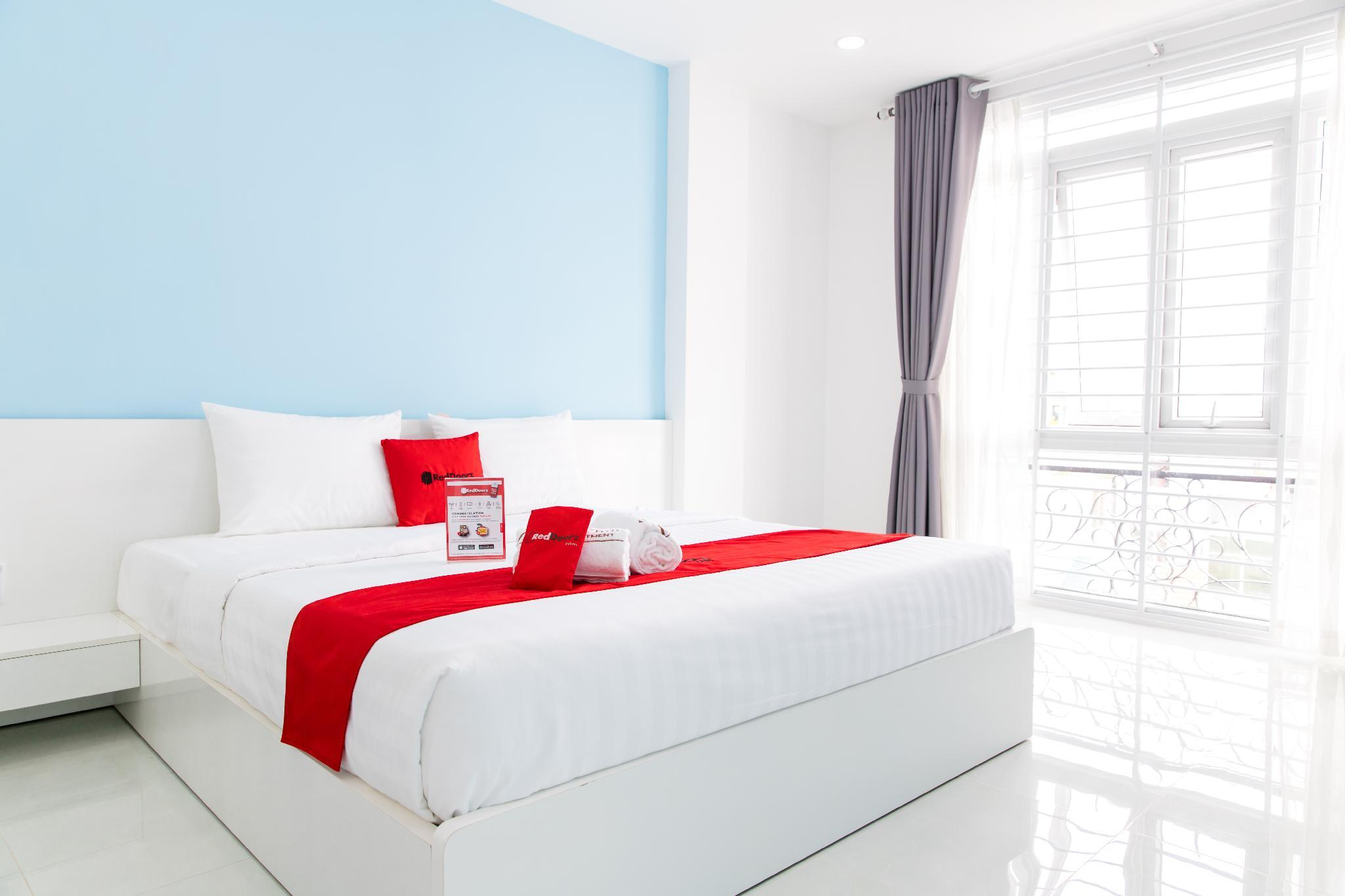 RedDoorz Plus near Nguyen Hue Walking Street, Quận 4