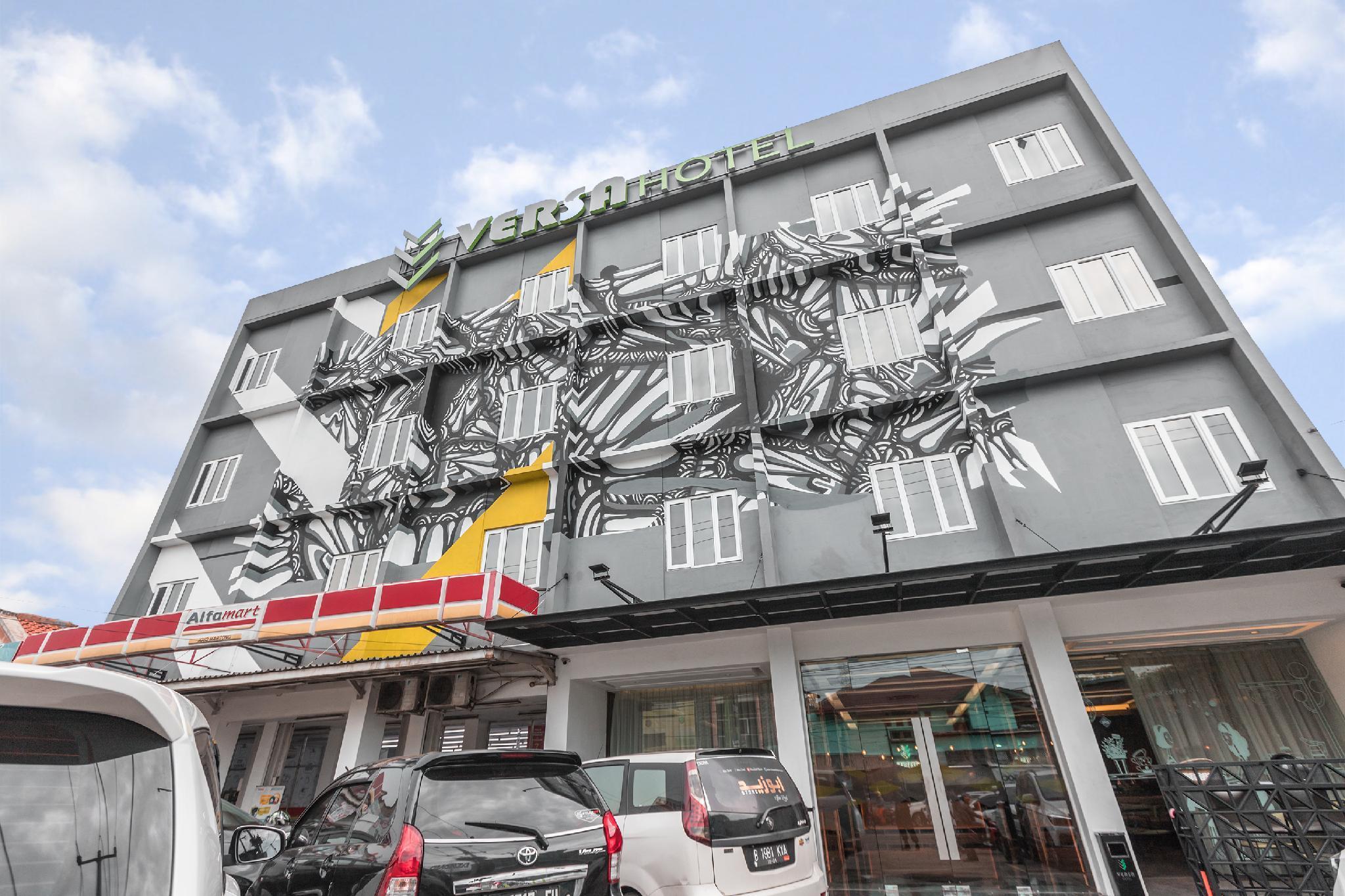 OYO 537 Versa Hotel