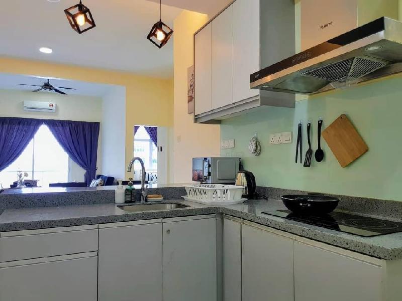 Puchong Skypod 10 Pax IOI Mall Cozy Apartment