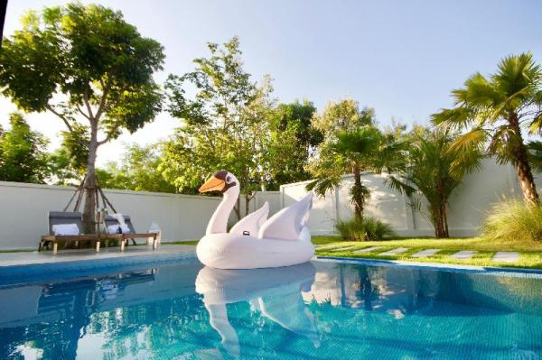 Superior Family Villa, Pool Access & BBQ Hua Hin