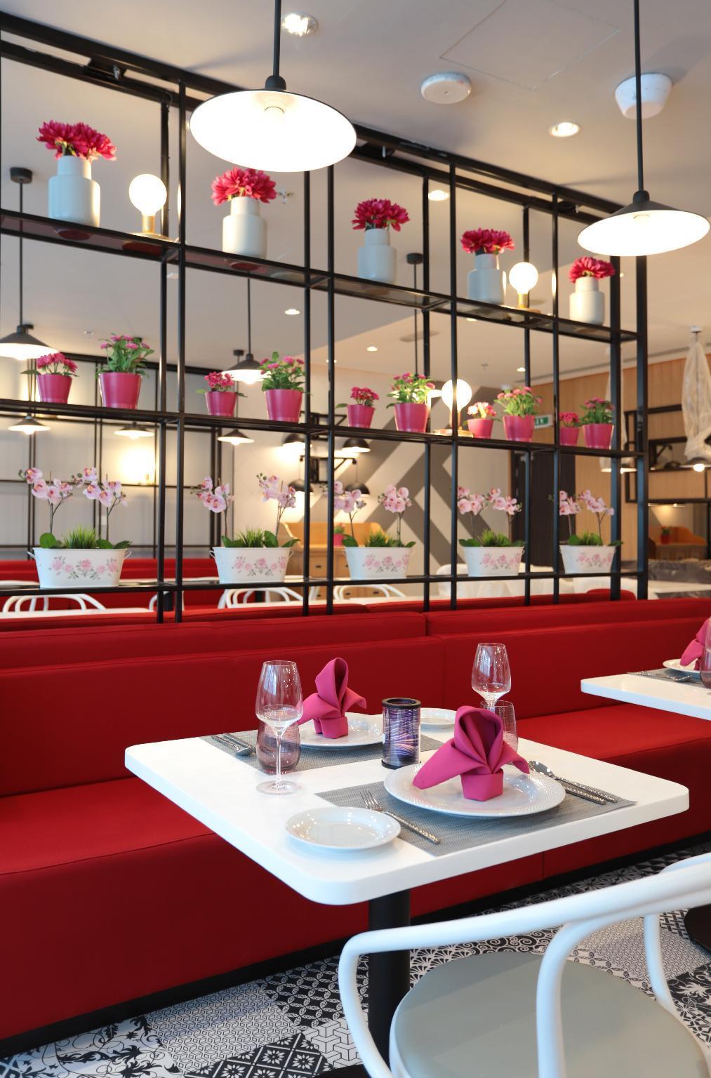 Centara West Bay Residences & Suites Doha,