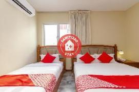 OYO 517 Aladdin Hotel