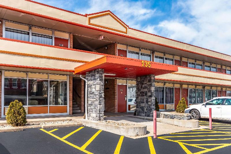 Econo Lodge Zanesville Ohio United States Reservations Com