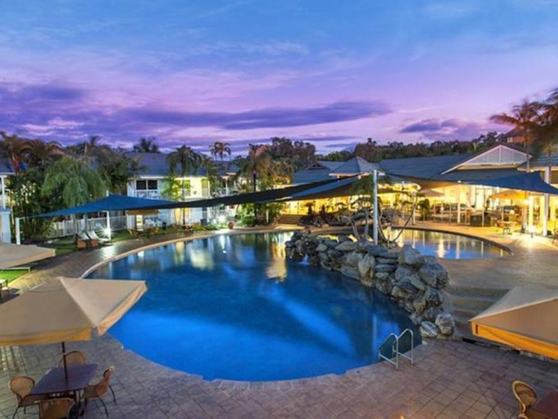 Best Price on Hotel Grand Chancellor Palm Cove in Cairns ...