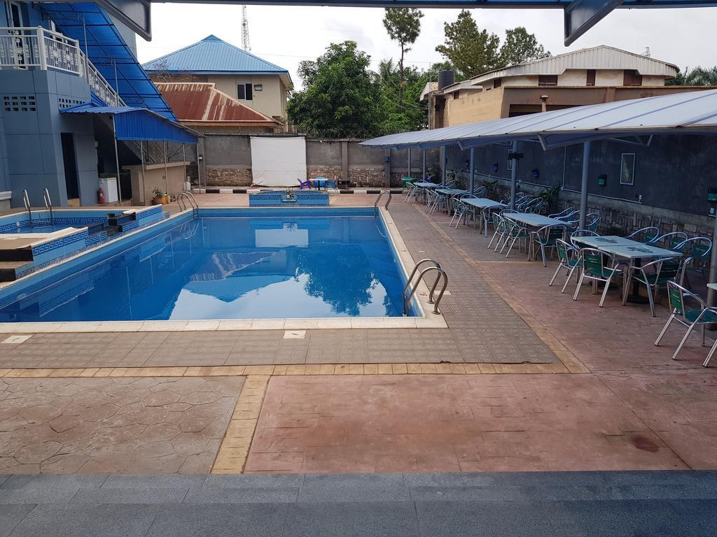 Ozom Hotel, Enugu North