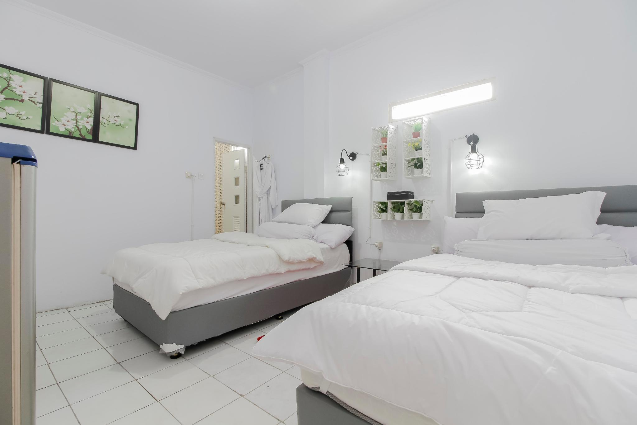 Hotel Alona, Tangerang